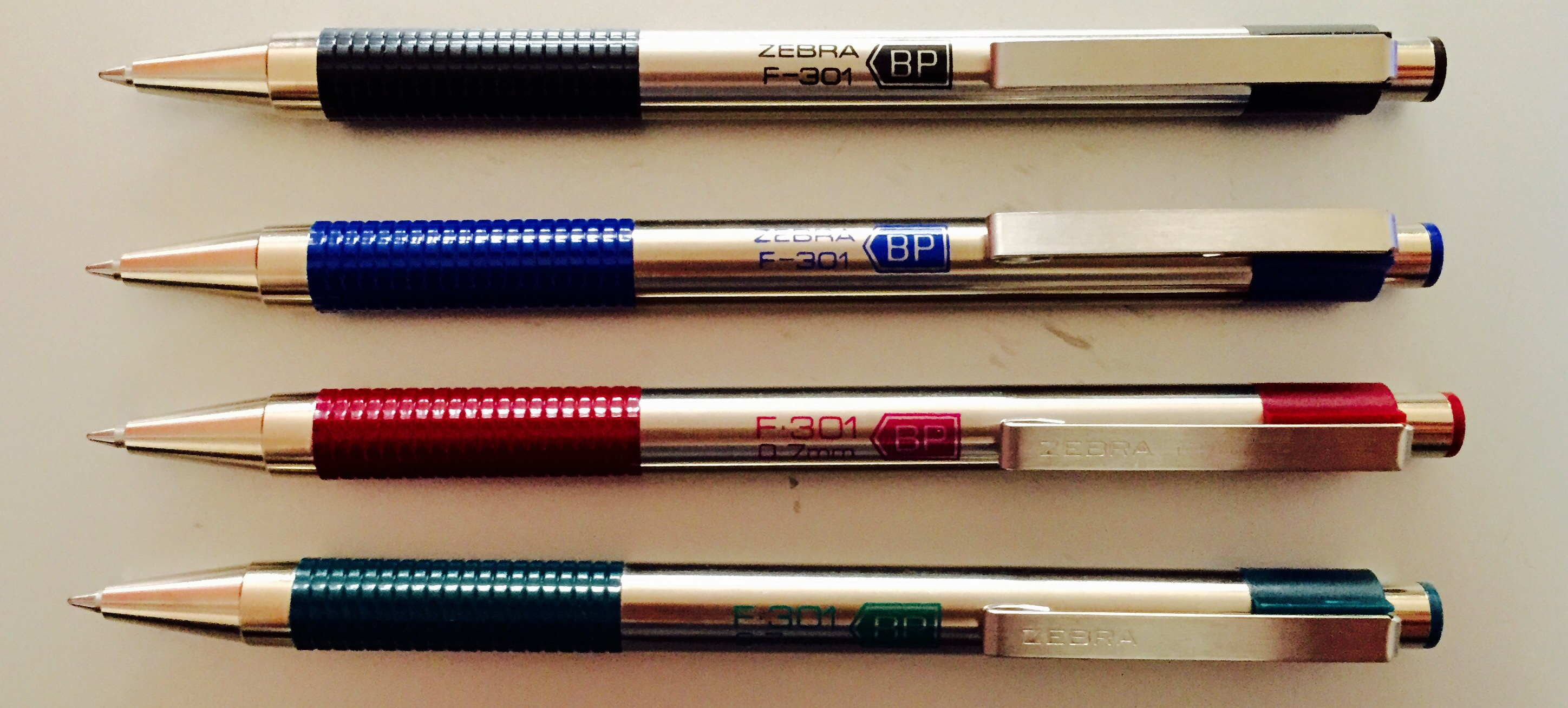 Colors Review: Zebra F-301 Assorted (Blue, Red, and Green)